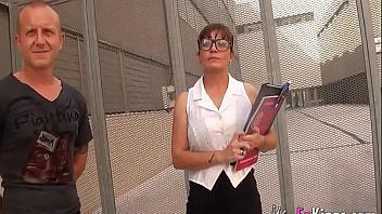 Profesora de filosofia española hace porno con un ex alumno
