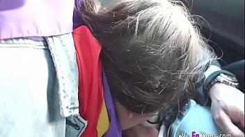 Española feminista follada brutalmente por dos tíos violentos