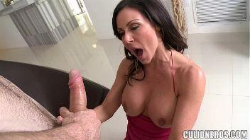 Kendra Lust folla duro con un chico latino muy fogoso