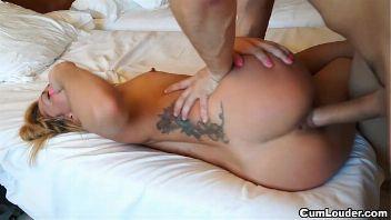 Madura latina con un jovencito en un casting porno XXX