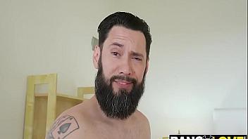 Rubia tetona con ganas de probar el sexo anal