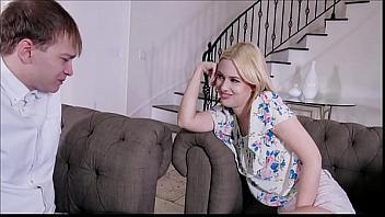 Kennedy Kressler seduce a su hijo y se lo folla a pelo