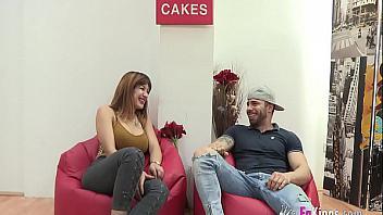 Española tetona muy zorra hace un casting follando con su novio