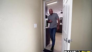 Riley Jean follada por el cabronazo infiel de su cuñado
