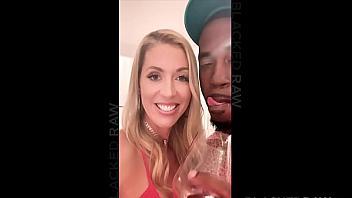Holly Hotwife queda con un negro que la folla bestialmente