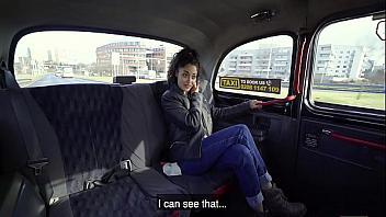 Jovencita española follada por un taxista al no pagar la carrera