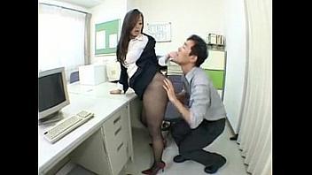 Follando con su nueva compañera de trabajo en la oficina