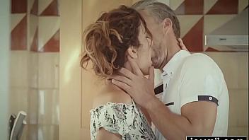La vida de putita enamorada y folladora de la española Penelope Cum