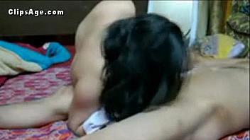 Su esposa de la India no se queja mientras la graba follándosela