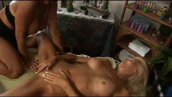 Maduras lesbianas putas comiéndose el coño