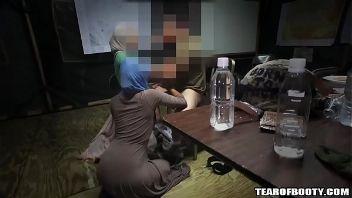 Chicas Arabes follando con militares de estados unidos