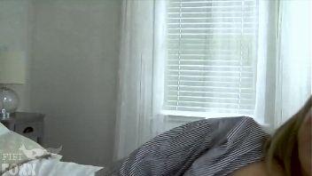Carmen Valentina embarazada follando a piernas abiertas