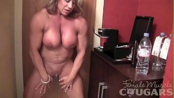 Una mujer diferente, una madura con unos músculos que dan miedo