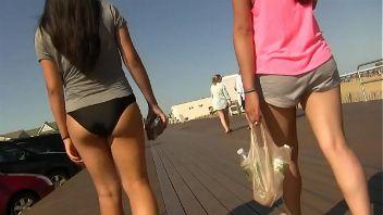 Video voyeur de culos en la playa compilado hot