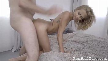 Veronica Leal estrena su culo y experimenta squirting vaginal